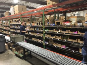 pick to light system with conveyor