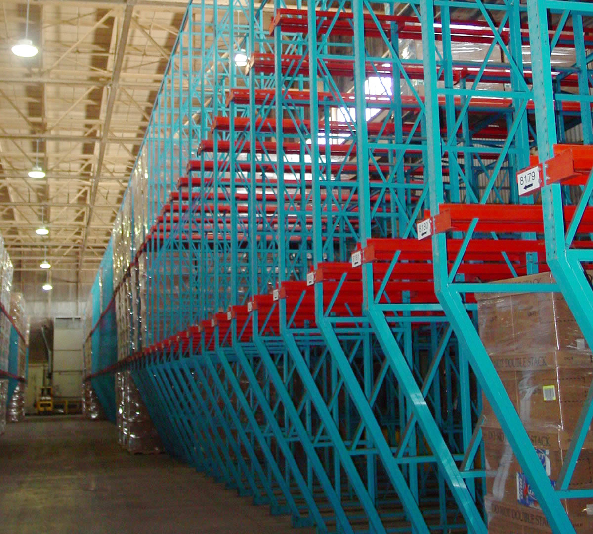 DRIVE IN Rack main mathand - Pallet Rack Types
